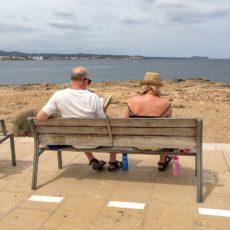 Reasons Why Seniors Should Travel the World